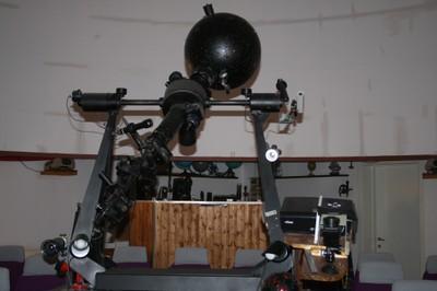 Proiettore planetario e proiettore full dome